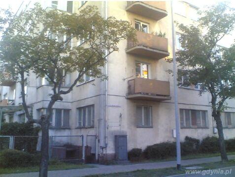 Schron przeciwlotniczy w podpiwniczeniu budynku mieszkalnego z 1935 r.