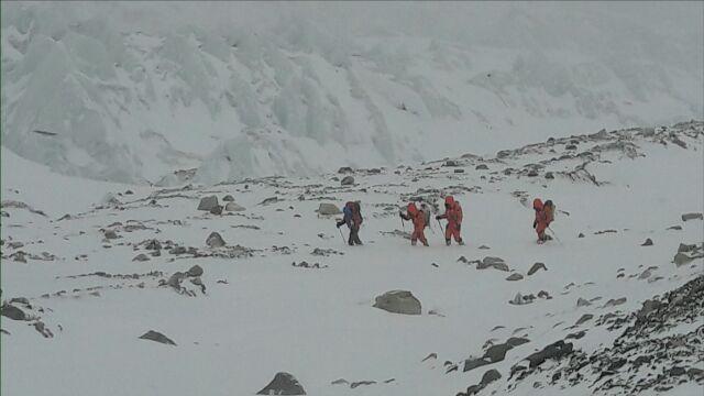 """Na K2 czekają. """"Szanse jeszcze są, ale się skróciły"""""""