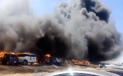 Pożar samochodów podczas Airshow Aero India 2019 w Bengaluru