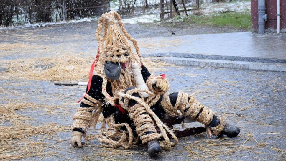 W nocy uważaj na Dziady Śmiguśne, od rana grasuje Siuda Baba