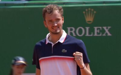 Skrót meczu Miedwiediew - Tsitsipas w trzeciej rundzie turnieju ATP Monte Carlo