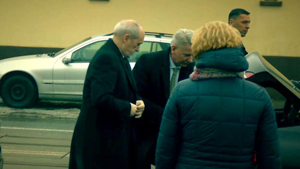 Karambol z udziałem Macierewicza. Kolejna próba przedstawienia zarzutów kierowcy
