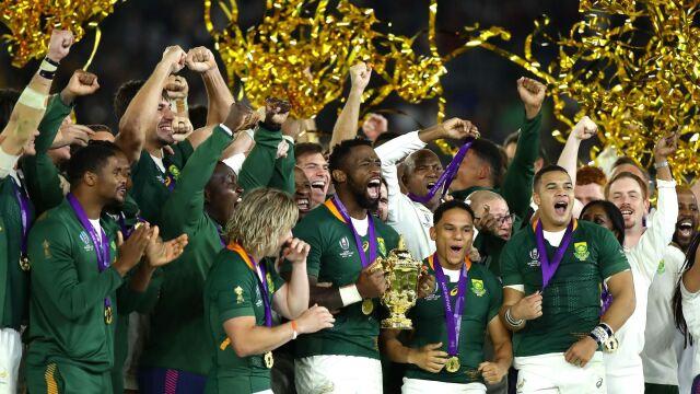 """Rekord wyrównany, rugbyści RPA z Pucharem Świata. """"Gramy dla wszystkich rodaków"""""""