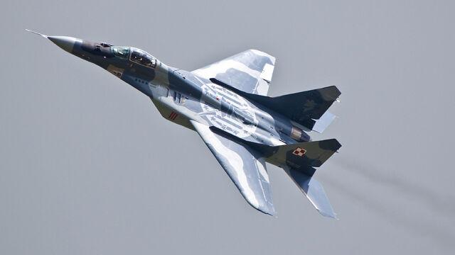 """""""Popatrzyliśmy pilotom w oczy. Zapytaliśmy, czy chcą latać"""". Jest decyzja w sprawie MiG-ów"""