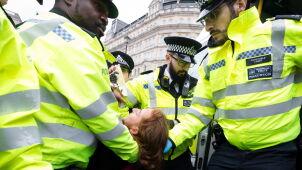 W obronie klimatu sparaliżowali centrum Londynu. Dziesiątki aktywistów zatrzymanych
