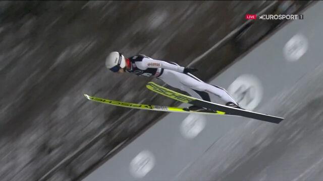 Skok Andrzeja Stękały z 1. serii konkursu drużynowego w Lahti