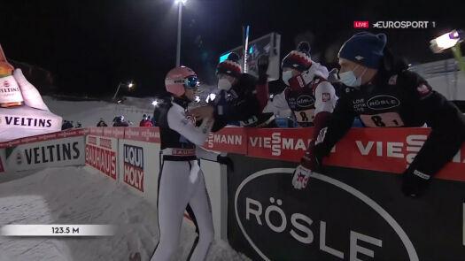 Skok Dawida Kubackiego z 2. serii konkursu drużynowego w Lahti