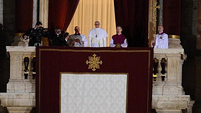 Świat gratuluje Franciszkowi. Prezydent Argentyny bardzo lakonicznie