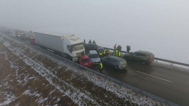 Karambol 25 aut, pięć osób rannych. Śledztwo umorzone