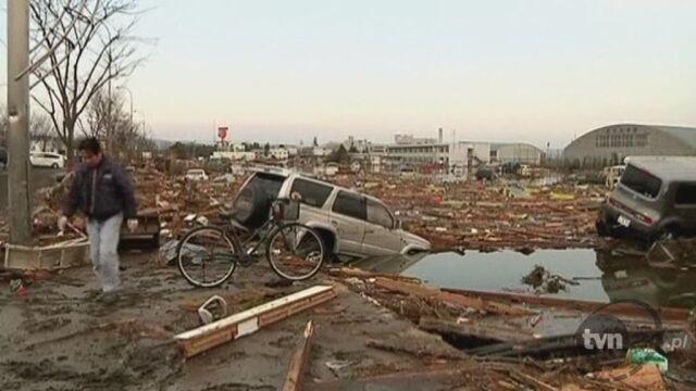 Lotnisko Sendai po trzęsieniu ziemi (Reuters)