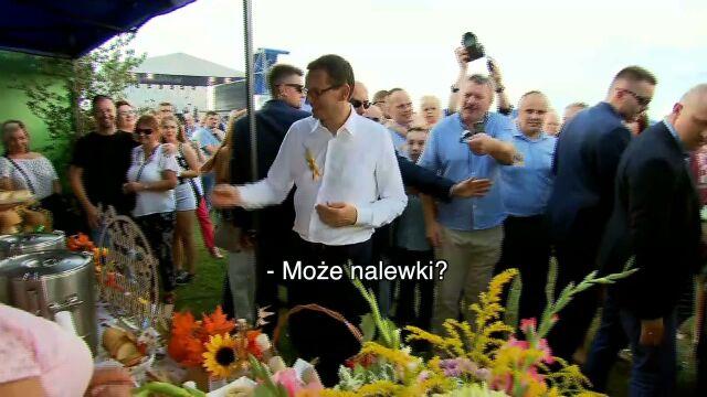 """""""Polecamy naleweczkę"""". Morawiecki na pikniku"""