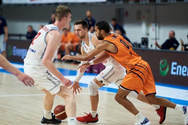 Mieszane uczucia koszykarzy przed wylotem na mundial.