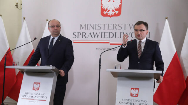 """""""Powinni natychmiast odejść. Zarówno Łukasz Piebiak, jak i Zbigniew Ziobro"""""""