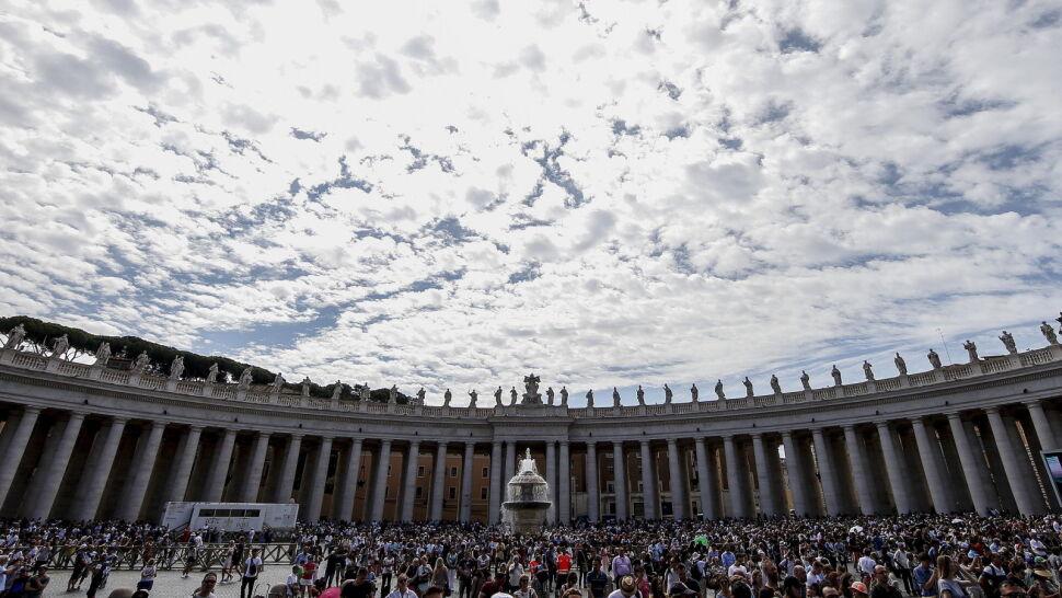 Rada Kardynałów murem za papieżem po zarzutach arcybiskupa