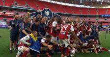 Aubameyang upuścił trofeum Pucharu Anglii