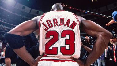 Historyczna koszulka Jordana trafi na aukcję. Zanosi się na rekord