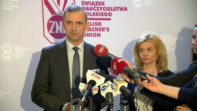 Związek Nauczycielstwa Polskiego do premier: na referendum nie jest za późno
