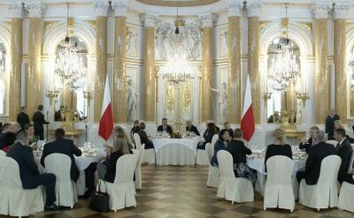 Prezydent Andrzej Duda podczas oficjalnego obiadu na Zamku Królewskim