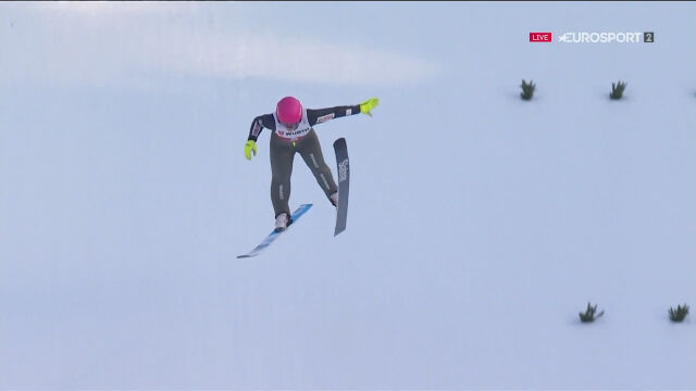 Skok Twardosz z 1. serii konkursu na skoczni normalnej w mistrzostwach świata