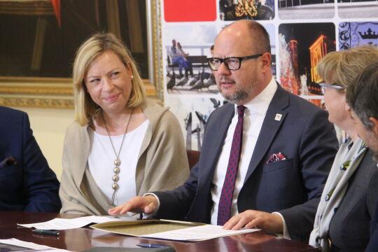 Podpisanie listu w sprawie Centrum Opieki Wyręczającej (24.10.2018 r.)