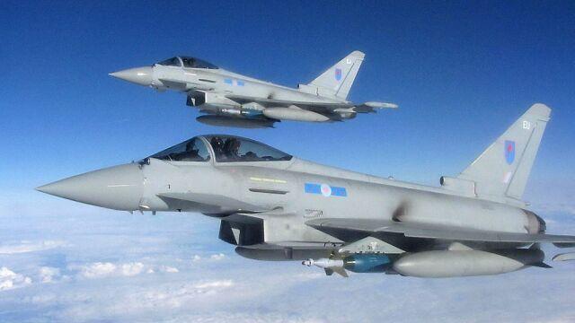 Szef brytyjskiej dyplomacji  nie wyklucza nalotów na Syrię