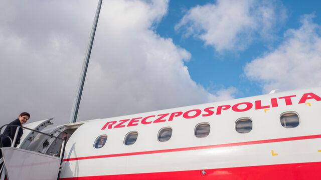 """Za dużo pasażerów, pilot """"informuje, że nie poleci"""". Opozycja pyta o rządowy lot"""