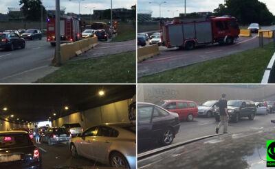 """""""Chaos"""", """"bezradni kierowcy wysiadali z aut"""". Wisłostrada stanęła"""