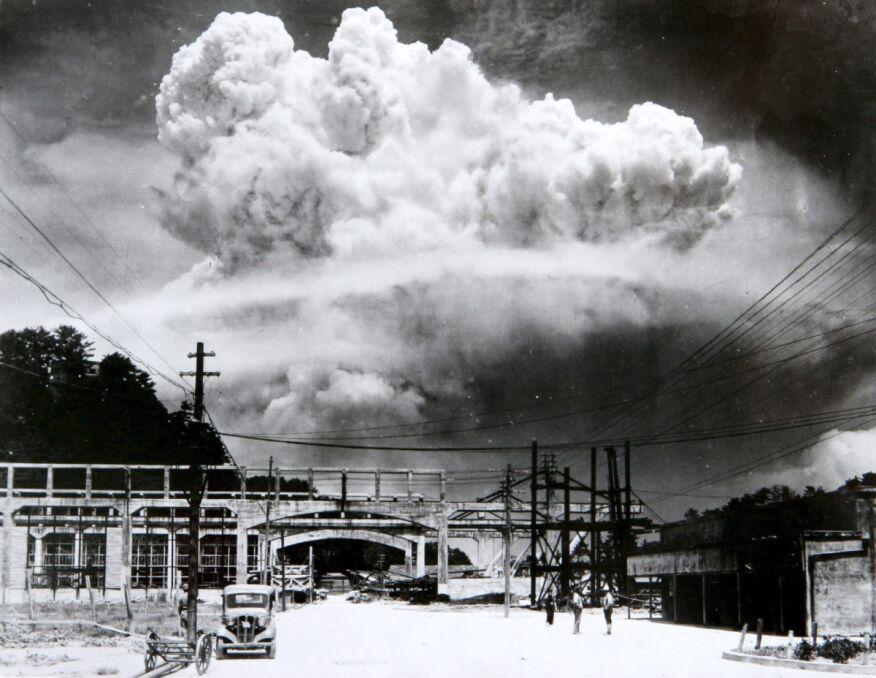 Grzyb atomowy sfotografowany 9 sierpnia 1945 roku