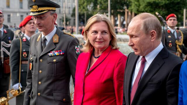Putin będzie gościem na ślubie szefowej austriackiej dyplomacji
