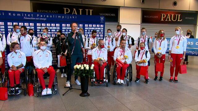 """Paraolimpijczycy wrócili z Tokio z medalami. """"Przekazuję go na licytację"""""""