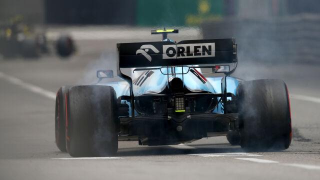Kubica zahaczył o barierkę na treningu. Williams nie zamknął stawki