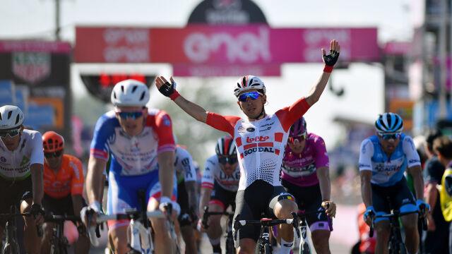 Zacięty finisz i wielka walka sprinterów na trasie Giro