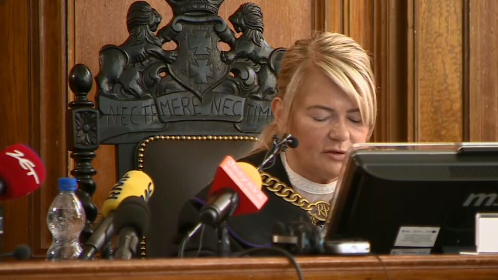 """Sędzio, czytaj - godzinami i w pustej sali. Bo takie są przepisy. """"To narażanie sądu na śmieszność"""""""