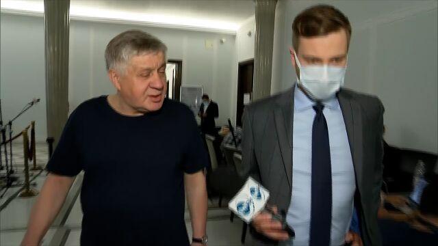 Krzysztof Jurgiel z Prawa i Sprawiedliwości i reporter TVN24 Radomir Wit