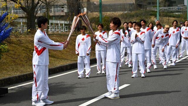 Ogień olimpijski wyruszył w trasę. Za 121 dni rozpoczęcie igrzysk w Tokio