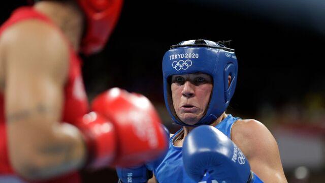 Chciała schudnąć, po latach trafiła na igrzyska. Finka najstarszą bokserską medalistką w historii