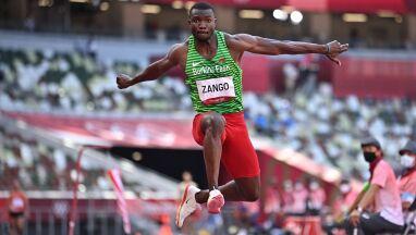 Wraca z medalem, został bohaterem Burkina Faso.