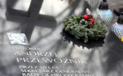 Ekshumacja z grobu Andrzeja Przewoźnika na Powązkach Wojskowych
