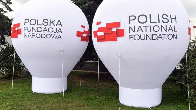 Polska Fundacja Narodowa: kontrowersje za kontrowersjami
