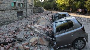 Trzęsienie ziemi i wstrząsy wtórne  w Albanii.