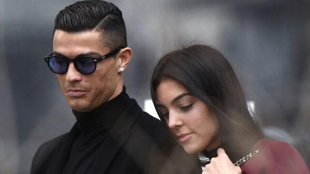 """""""Gole nie mają szans"""". Ronaldo woli intymne chwile z partnerką"""