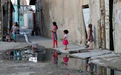 Dzieci w obozie dla uchodźców w Iraku