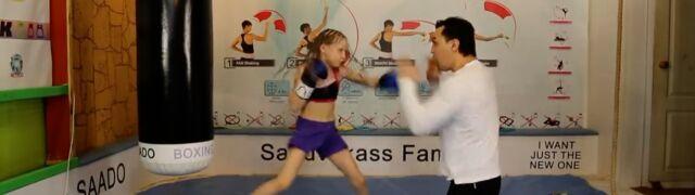 221 uderzeń w 30 sekund.  Oto mała bokserka z Kazachstanu