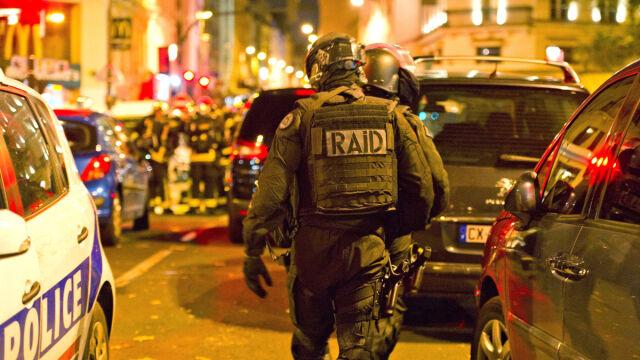 Dwóch podejrzanych o dokonanie zamachów mogło przybyć do Unii przez Grecję