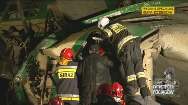 Akcja ratunkowa zaraz po katastrofie (TVN24)