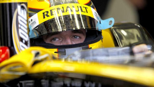 Kubica testował mercedesa.  Z toru zmyła go burza