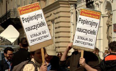 Polacy w sprawie strajku nauczycieli są podzieleni