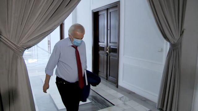 wicemarszałek Ryszard Terlecki na korytarzu sejmowym