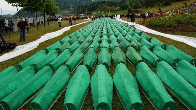 """Sąd: """"bardzo ograniczona"""" odpowiedzialność Holandii za masakrę w Srebrenicy"""