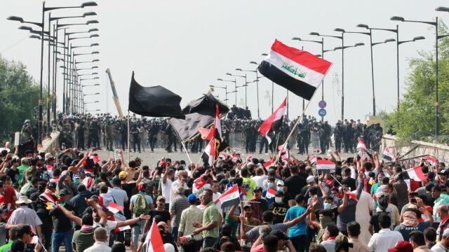 Premier wysyła antyterrorystów do tłumienia protestów. W dwa dni zginęły dziesiątki ludzi
